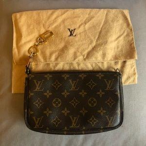 Authentic pre-loved Louis Vuitton Pochette